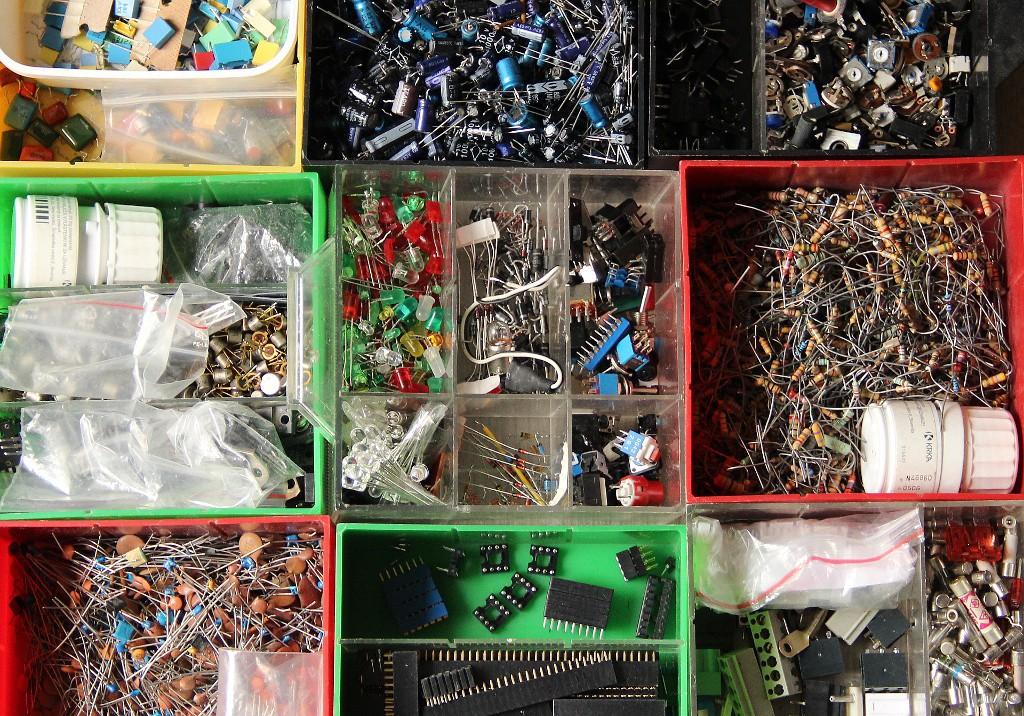 junk-electronics